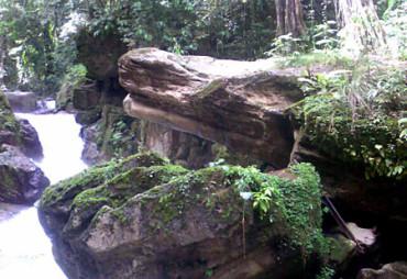 Batu Mulut Buaya