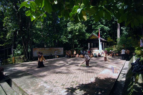 Makam Teuku Umar (Foto detik.com)