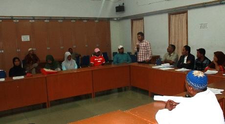 Tarmizi Age (Mukarram) Pembina Lembaga ACDK sedang berbicara di forum K2PHU di Tgk Hasbi Ash Shiddiqi di Lhoekseumawe (Foto Dok. ACDK)