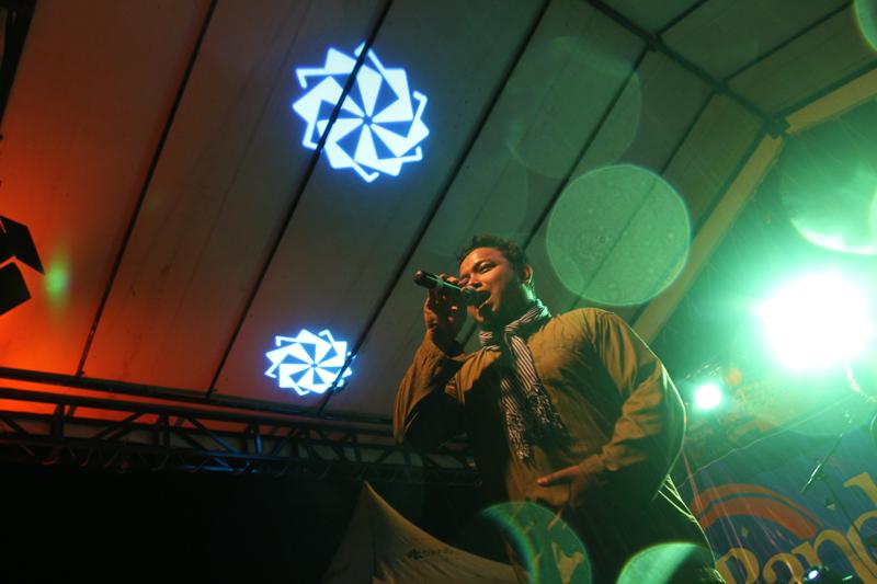 Penampilan dari band etnik Tangke (Dok. Tangke Band)