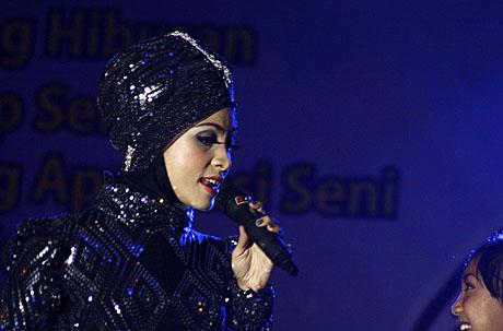 Liza Aulia Perform di Piasan Seni