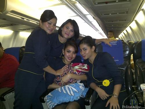Foto Pramugari Merpati Airlines (pelitaonline.com)