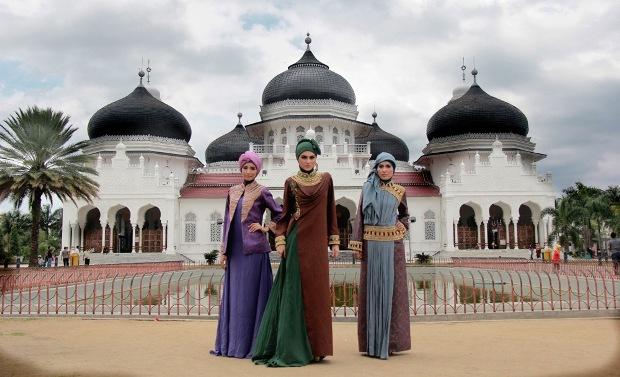 Busana muslimah (dianpelangi.net)