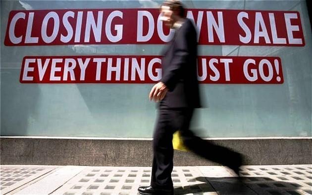 Ilustrasi pejalan kaki melintasi salah satu toko (forbes.com)