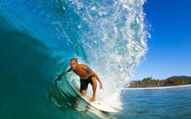 Surfing di Simeulue (ja.magicseaweed.com)