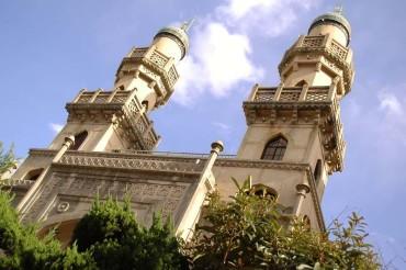 Kobe Mosque, Tetap Kokoh Meski Diserang Bom dan Gempa Bumi