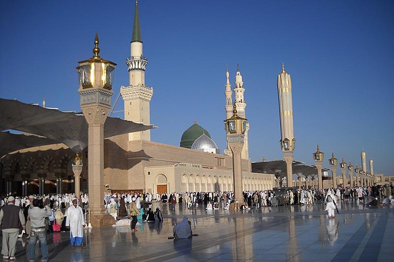 Masjid Nabawi di Madinah - Photo by Edsalayan