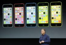 Peluncuran perdaran iPhone 5C warna-warni (Reuters)