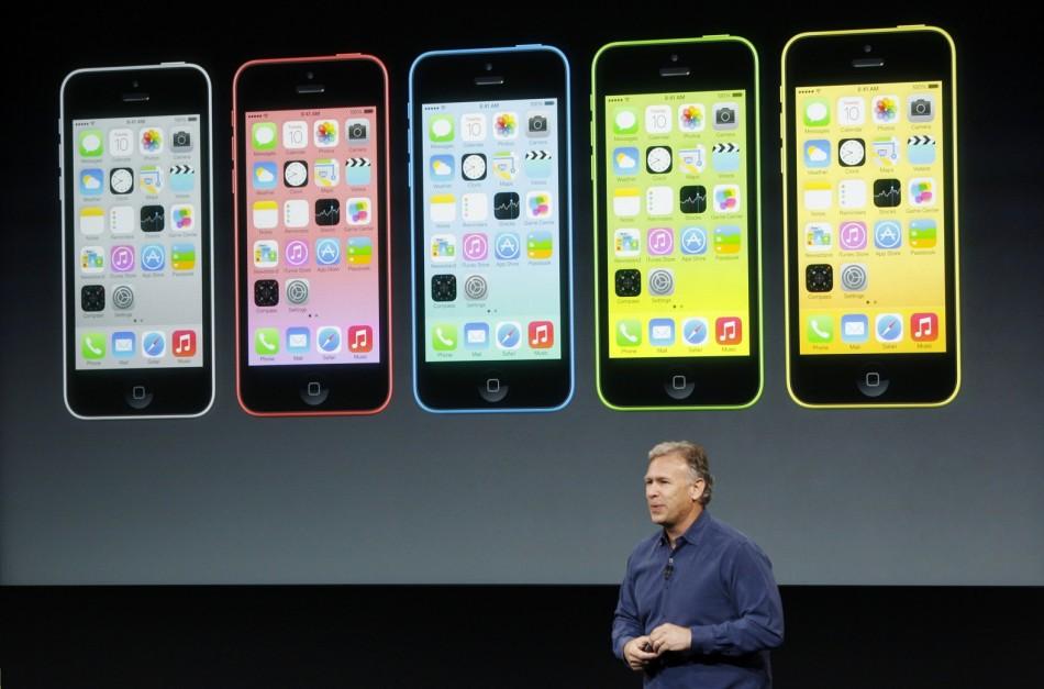 Peluncuran perdaran iPhone 5C warna-warni (Reuters)