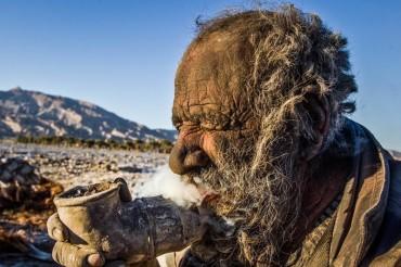 Pak Haji Ini 60 Tahun tidak Mandi