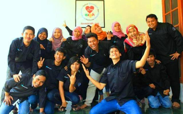 ILATeam Management dan Komunitas @iloveaceh (IST)