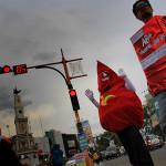 Aksi thalassemia di lampu lalu lintas Bundaran Simpang Lima Banda Aceh (Foto M Iqbal/SeputarAceh.com)