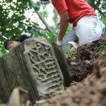 Ekskavasi batu nisan di Gampong Ilie, Ulee Kareng, Banda Aceh (Foto M Iqbal/SeputarAceh.com)