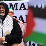 Ibu Walikota Banda Aceh, Illiza Sa'aduddin Djamal berorasi untuk aksi peduli Palestina (Foto M Iqbal/SeputarAceh.com)