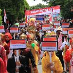 Murid Sekolah Dasar mengikuti pawai hari kemerdekaan Indonesia (Foto M Iqbal/SeputarAceh.com)