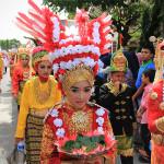 Peserta pawai memakai hiasan burung menyerupai lambang negara (Foto M Iqbal/SeputarAceh.com)