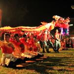 Kolaborasi rapa-i geleng dengan atraksi barongsai (Foto M Iqbal/SeputarAceh.com)