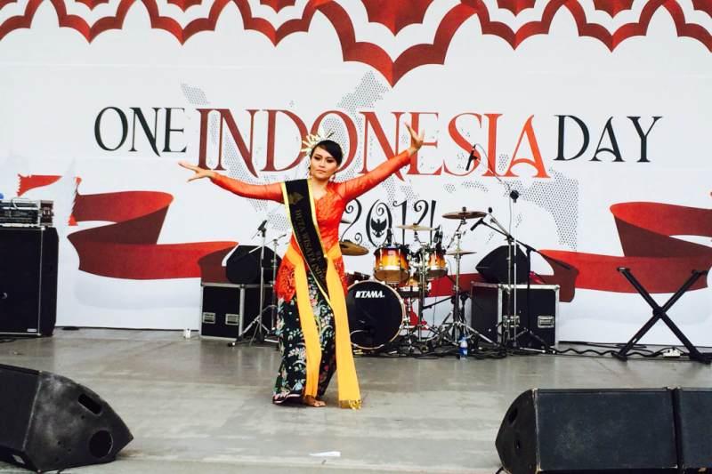 Martina Fiani menarikan tarian Denok Semarangan pada acara One Indonesia Day di Kota Ansan, Korea Selatan (IST)
