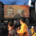 Seniman pasir membuat sketsa tokoh pahlawan Aceh (Foto M Iqbal/SeputarAceh.com)