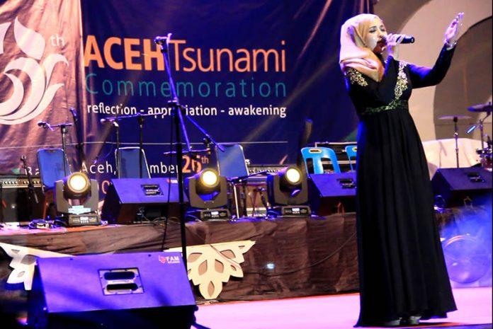 Cut Niken tampil di panggung apresiasi seni #10thnTsunami Aceh (Foto M Iqbal/SeputarAceh.com)