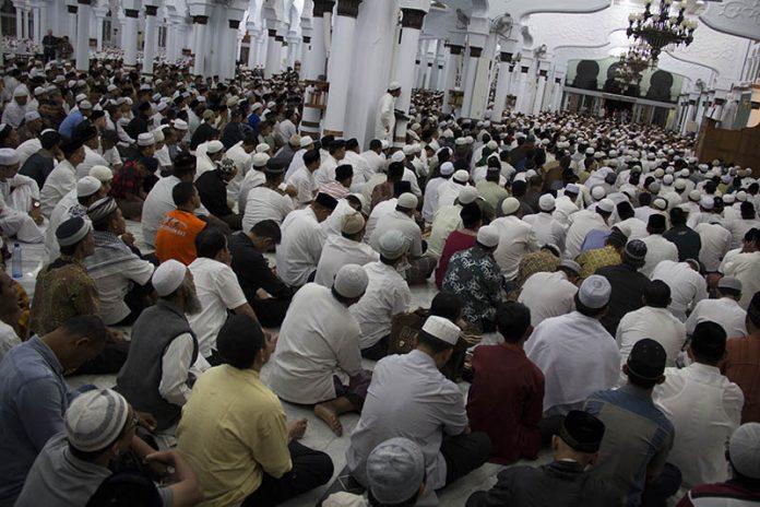 Ribuan jama'ah mendengarkan tausiyah di Masjid Raya Baiturrahman (Foto M Iqbal/SeputarAceh.com)