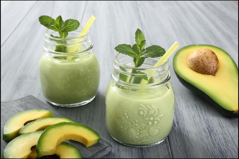 Fresh-avocado-smoothie (Foto servingjoy.com)