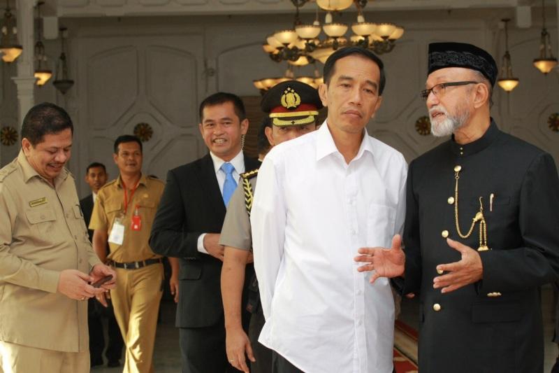 Presiden Jokowi saat berada di Pendopo Gubernur (Foto @HumasAceh)