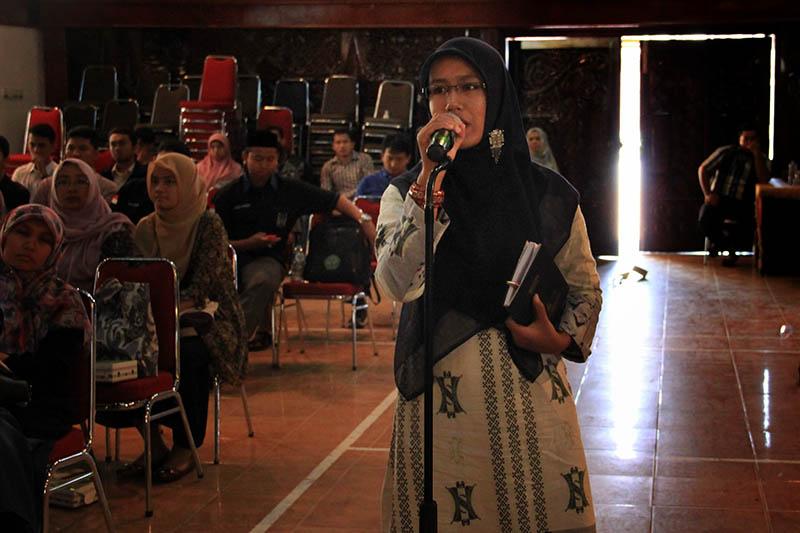 Tanya jawab dengan pemateri seminar sejarah acara 142 Tahun Perang Aceh-Belanda (Foto M Iqbal/SeputarAceh.com)
