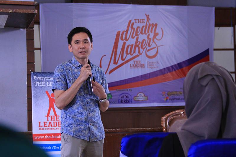 Mardi Wu, CEO PT Nutrifood Indonesia hadir di acara Dream Maker Camp di Aula Rumoh PMI, Banda Aceh (Foto M Iqbal/SeputarAceh.com)