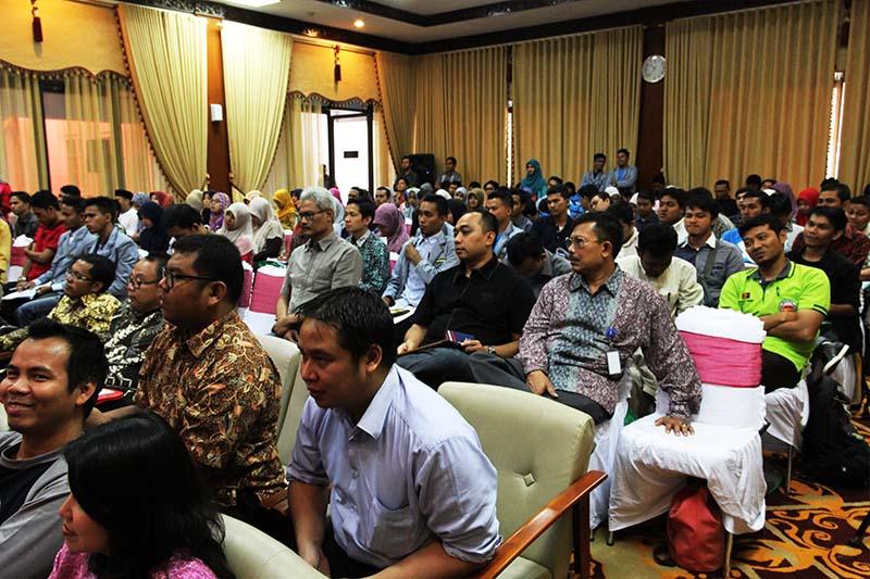 Ratusan peserta hadir mengikuti acara Kompasiana Nangkring Non Tunai di Aula Bank Indonesia, Banda Aceh (Foto M Iqbal/SeputarAceh.com)