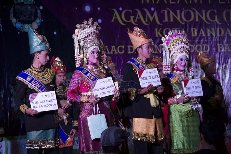 Selain juara favorit juga ada juara harapan untuk 5 finalis Agam Inong Kota Banda Aceh (Foto M Iqbal/SeputarAceh.com)
