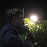 Tgk Yusri Puteh sedang memberikan ceramah maulid nabi Muhammad SAW di Lapangan Tenis Lampaseh