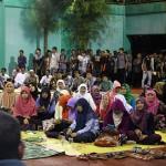 Warga menghadiri acara maulid Nabi Muhammad SAW di Lapangan Tenis ATC, Lampaseh, Banda Aceh
