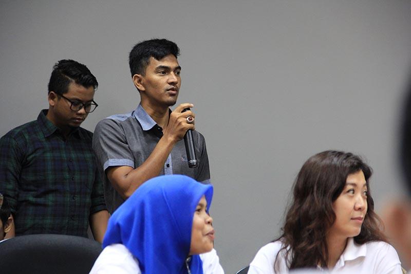 Peserta dari media melakukan tanya jawab (Foto M Iqbal/SeputarAceh.com)