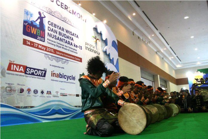Tarian Rapai Geleng dari Aceh ikut meriahkan pembukaan Gebyar Wisata dan Budaya Nusantara 2015 (Foto IST)