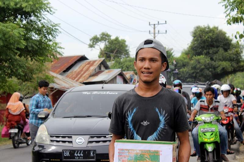 """Foto Aksi Galang Dana """"Dari Mahasiswa Aceh Raya untuk Rohingya"""""""