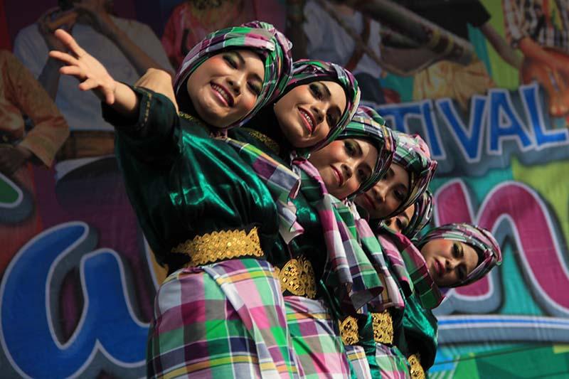 Kontingen dari Aceh Utara tampil acara lomba tari kreasi baru di arena Festival Sabang Fair (Foto M Iqbal/SeputarAceh.com)
