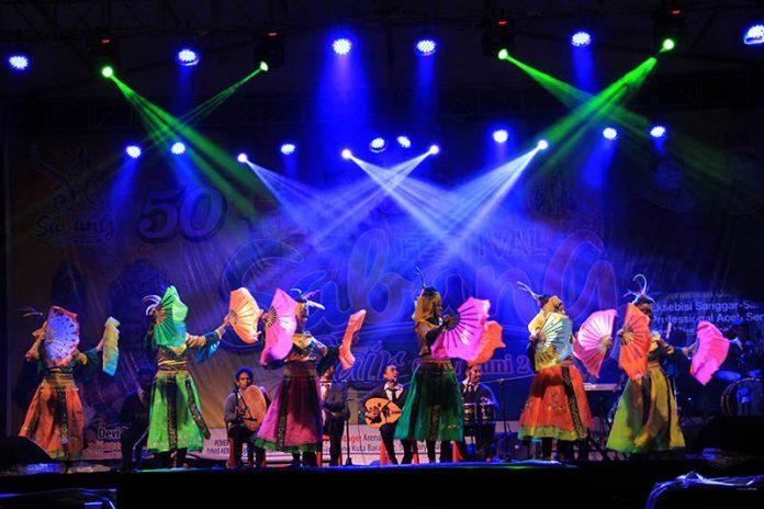 LASQI musik dari Timur Tengah tampil di pentas utama Festival Sabang Fair (Foto M Iqbal/SeputarAceh.com)