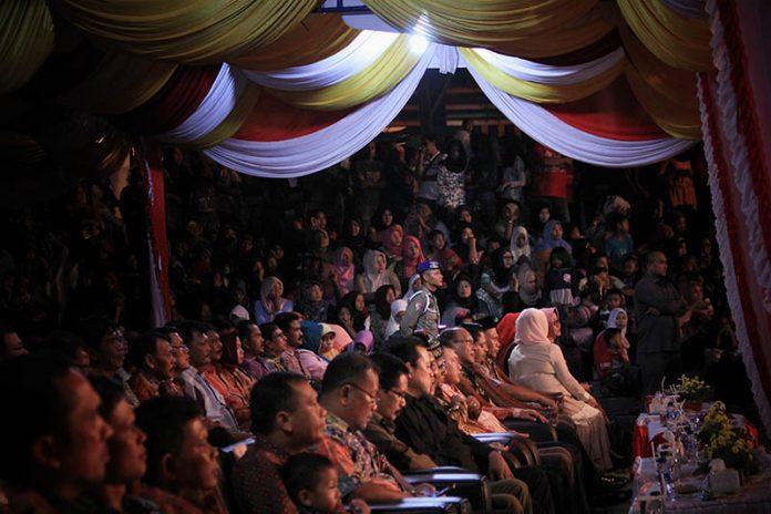 Para tamu undangan dan masyarakat memenuhi arena acara Festival Sabang Fair (Foto M Iqbal/SeputarAceh.com)