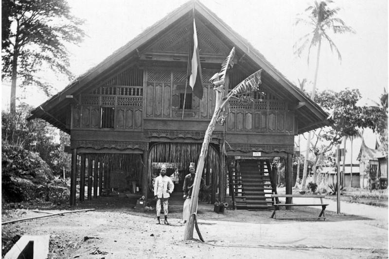 Museum Aceh saat pameran De Koloniale Tentoonsteling, Semarang (Koleksi Tropenmuseum)
