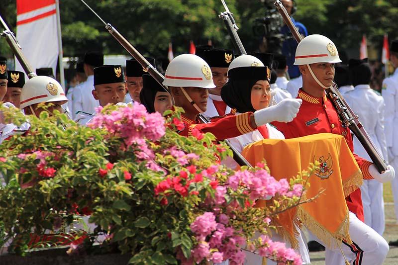 Pasukan Paskibraka melakukan persiapan pengibaran bendera merah putih di lapangan Blang Padang (Foto M Iqbal/SeputarAceh.com)