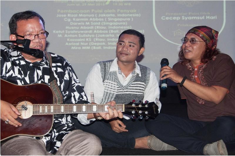 Reyzha saat tampil dengan sejumlah seniman di Jakarta (Foto IST)