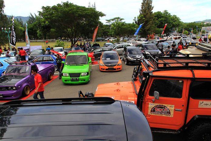 Sejumlah peserta kontes mengikuti acara TKCI gelar Meet Up Merah Putih di pelataran parkir Stadion Harapan Bangsa, Banda Aceh (Foto M Iqbal/SeputarAceh.com)