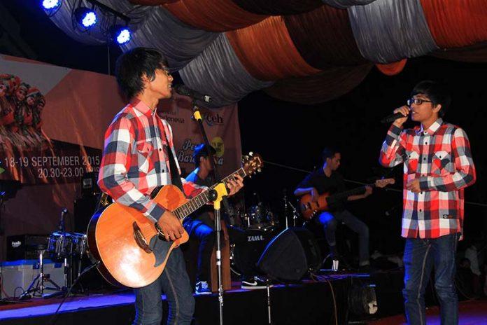 Aurez tampil dalam acara Eksibisi Taman Sulthanah Safiatuddin, Banda Aceh (Foto M Iqbal/SeputarAceh.com)