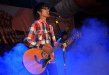"Tereza tampil membawakan lagunya 'Kahitna"" acara Eksibisi Taman Sulthanah Safiatuddin, Banda Aceh (Foto M Iqbal/SeputarAceh.com)"