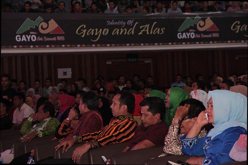 Kadisbudpar Aceh, SKPA dan perwakilan dari pemerintah Aceh hadir pada acara Gayo Art Summit 2015 di gedung AAC Dayan Dawood, Banda Aceh