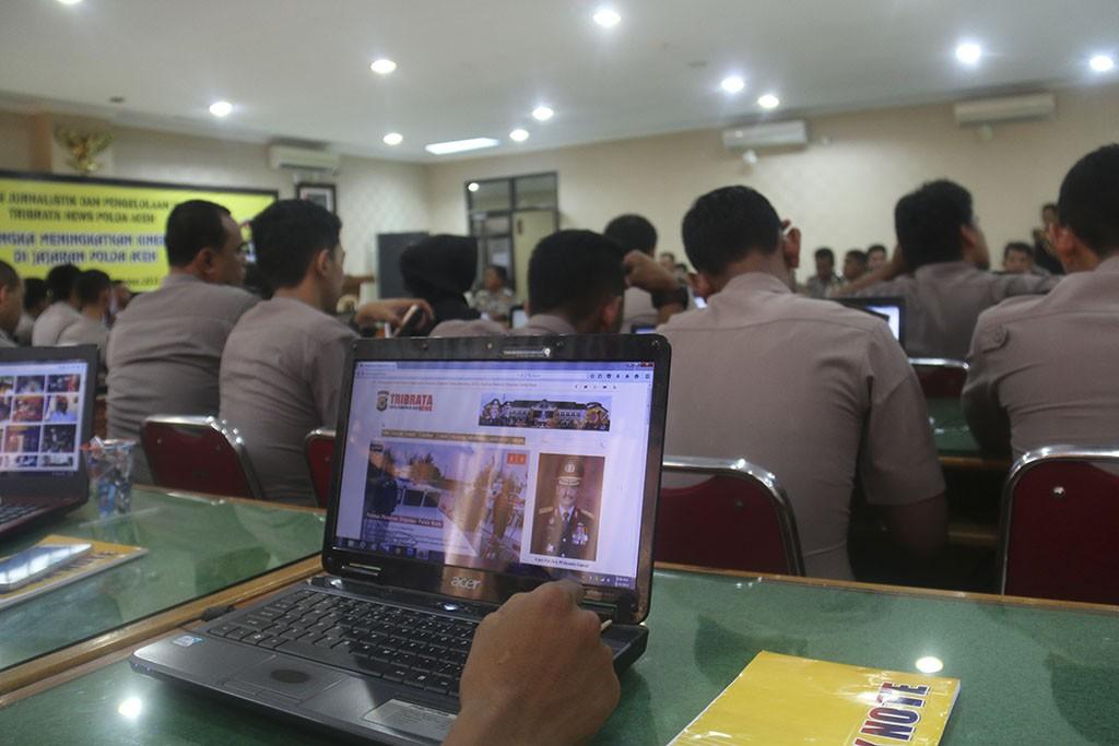 Pelatihan Jurnalistik dan Pengelolaan Website Tribratanews Polda dan Polres di Aceh_1