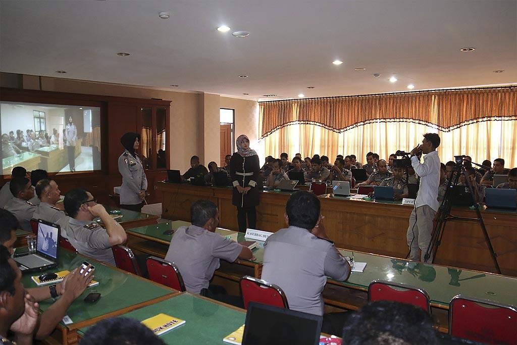 Pelatihan Jurnalistik dan Pengelolaan Website Tribratanews Polda