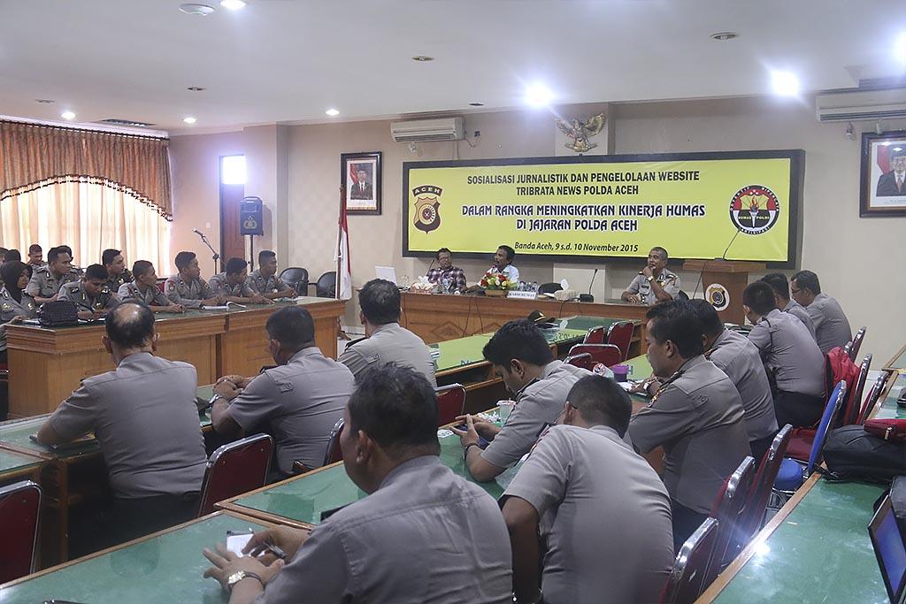 Pelatihan jurnalistik dan pengelolaan website tribratanewsaceh dan tribratanews Polres se Aceh di Aula Machdum Sakti, Polda Aceh, Senin dan Selasa (9-10/11/2015).