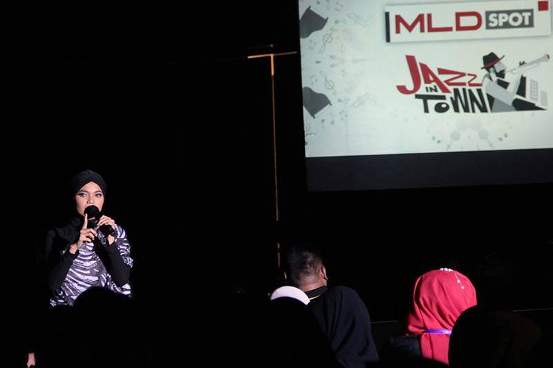 Citra Scholastika finalis Indonesia Idol 6 tampil membawakan lagu hitnya, acara MLD-Spot Jazz In Town di Ballroom Hermes Palace Hotel, Banda Aceh (Foto M Iqbal/SeputarAceh.com)